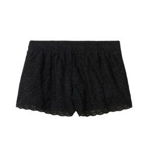 Aritzia Talula Black Lace Scalloped Shorts